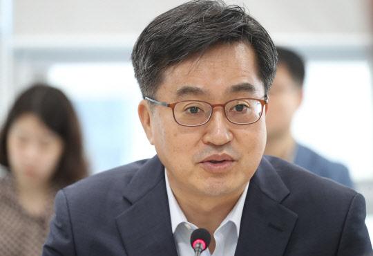 """김동연 """"지역일자리 사업 적극 돕겠다"""""""